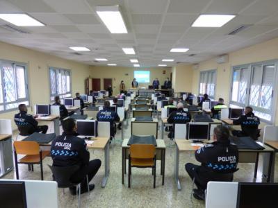 DGT | Forman a un centenar de policías locales en los sistemas de medición de velocidad