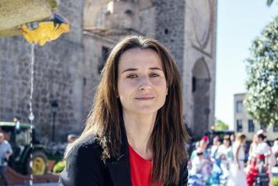 POLÍTICA | ¿Qué novedad estrenará la talaverana Diana López en las Cortes CLM?