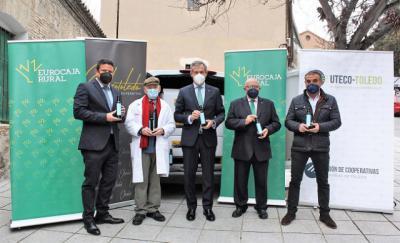 SOLIDARIDAD | Eurocaja Rural entrega más de 1.000 litros de aceite a la ONG