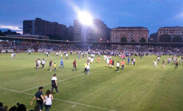 Así celebraron los aficionados el ascenso del CF Talavera (VÍDEO)