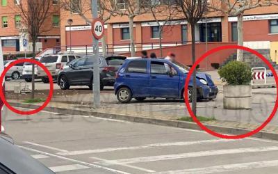 TALAVERA | Se lleva por delante dos maceteros 'al distraerse' en una avenida (FOTOS)