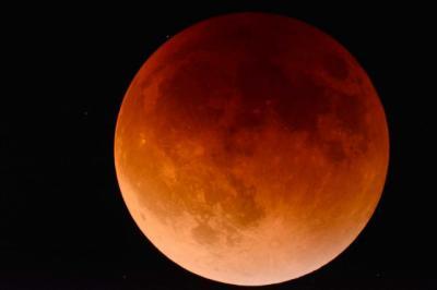 Así será la Luna de Sangre, el eclipse más largo del siglo