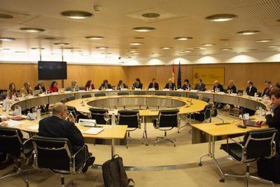 Castilla-La Mancha transmite la necesidad de mejorar el actual sistema de becas al estudio