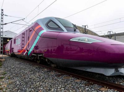 AVLO | Ya están a la venta por 5 euros: ¿Cómo comprar y destinos del AVE 'low cost' de Renfe?
