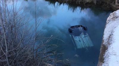 El coche del antiguo edil de Enguídanos cayó al río Cabriel | Servicio Provincial de Bomberos de Cuenca