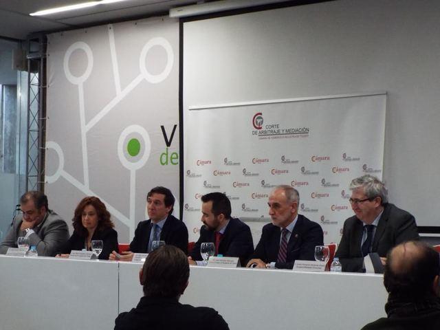 Emilio Gutiérrez participa en la mesa redonda de la Cámara sobre resolución de conflictos