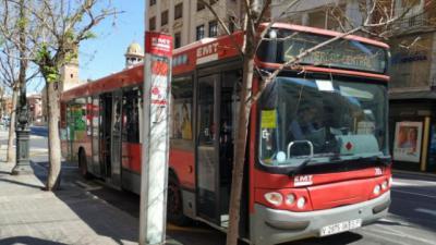 POLICÍA LOCAL | Expulsan a un hombre autista de un autobús tras las quejas de un pasajero