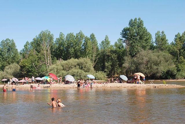 """Prohibido el baño en el Alberche a su paso por Escalona por """"posible contaminación"""""""