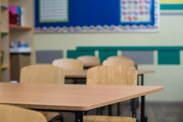 TOLEDO | Tolón plantea no abrir las aulas hasta el lunes: