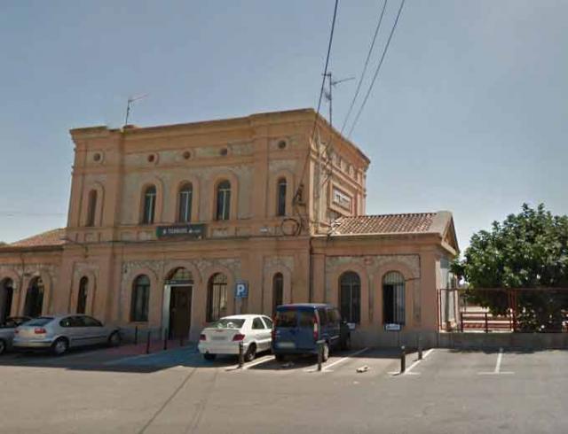 El Pleno del Ayuntamiento de Torrijos vuelve a reclamar un tren digno