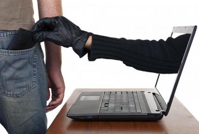 Desmantelada una organización criminal especializada en estafas a través de Internet