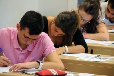 Los estudiantes de CLM, los primeros de toda España en hacer este año la selectividad