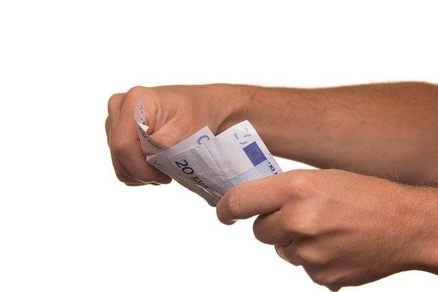 CCOO pide subidas salariales mínimas del 2% y ningún convenio por debajo de los 14.000 euros