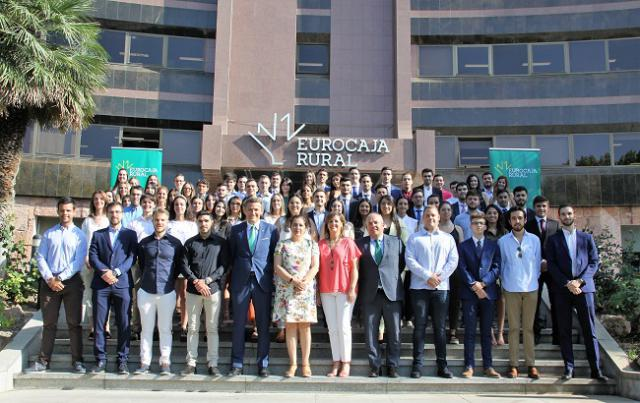 Casi un centenar de universitarios realizarán sus prácticas en Eurocaja Rural