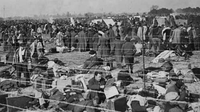 A mi padre y al medio millón de personas que tuvieron que huir de España hace 80 años