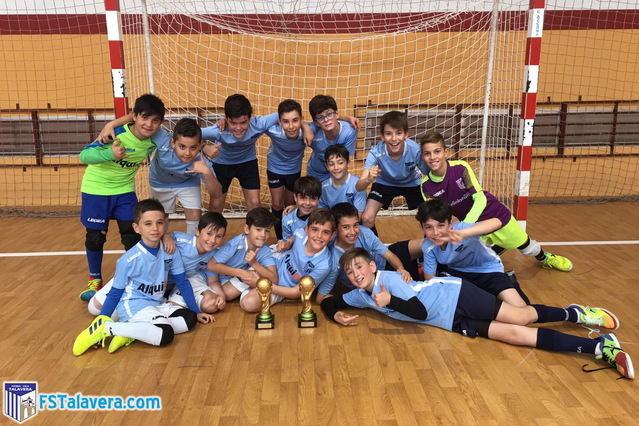 La Academia del Soliss FS Talavera hizo doblete con la Copa Crack de La Puebla de Montalbán