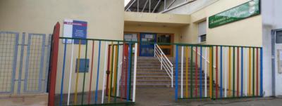 Desalojan a 50 niños tras localizar una fuga de gas en un colegio
