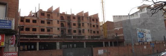 Las obras de los pisos del antiguo cine del Prado se podrán reanudar 17 años después