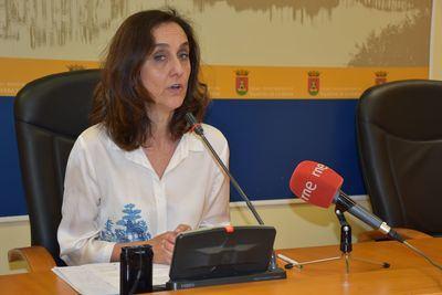 Foto: Flora Bellón en la aprobación de las subvenciones