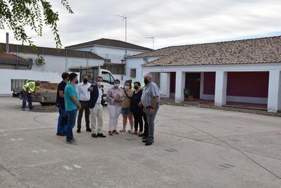 El colegio de Talavera la Nueva contará con una nueva pista deportiva