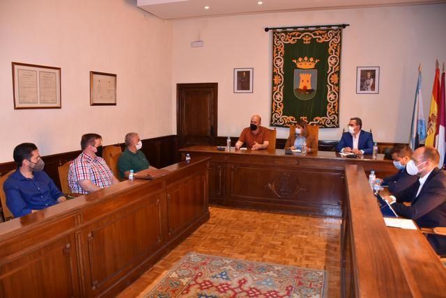 Reunión entre Ayuntamiento, JCCM, regantes y Plataformas para defender al Tajo