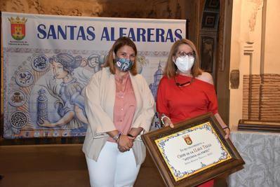La alcaldesa de Talavera pone su confianza en el futuro de la cerámica