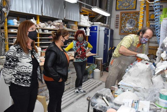 TALAVERA | La alcaldesa anuncia bonificaciones fiscales para los talleres de cerámica
