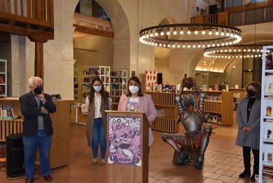 TALAVERA | La alcaldesa celebra el 18 Aniversario de la Biblioteca 'José Hierro' durante la conmemoración del Día del Libro
