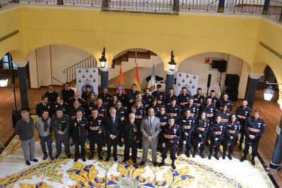 Condecorados con medallas de oro miembros de Protección Civil de la ciudad