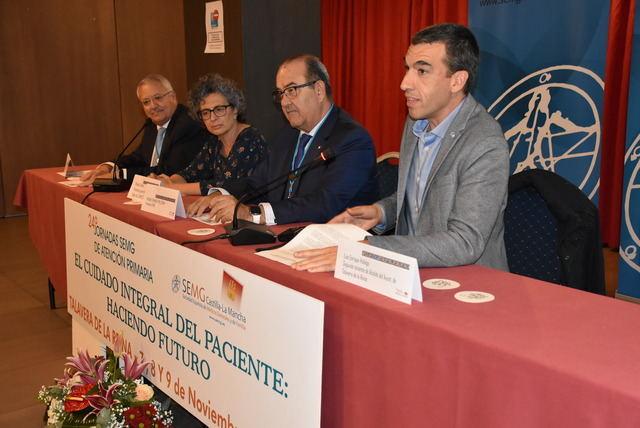 Aquí, y debajo, dos momentos del acto oficial de las 24ª Jornadas de SEMG Castilla-La Mancha.