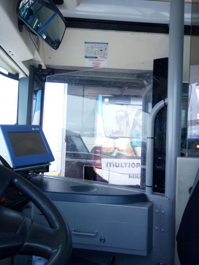 TALAVERA | Instalan mamparas en los autobuses urbanos