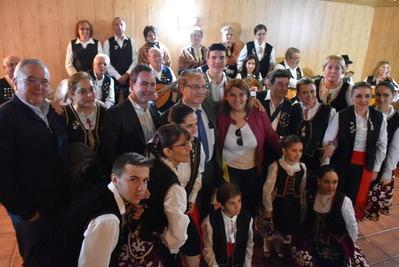 El PSOE comparte con el Centro Extremeño su tradicional fiesta de la matanza