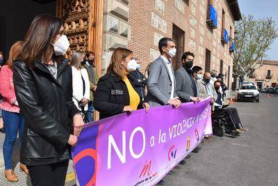 TALAVERA | El Ayuntamiento aprovecha el minuto de silencio para concienciar sobre la violencia de género en las redes sociales