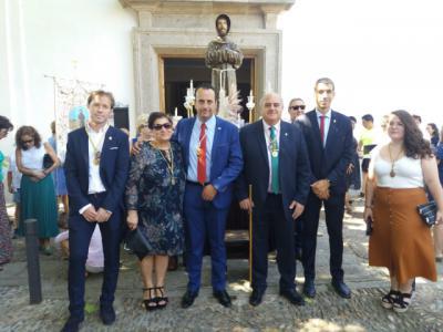 Concejales socialistas de Talavera acompañan a Jesús Mencía a la misa y procesión en Talaverilla