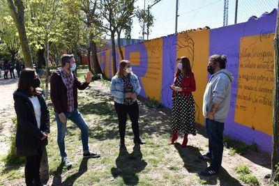 TALAVERA | Ya luce el mural 'Sororidad' en homenaje a las mujeres silenciadas