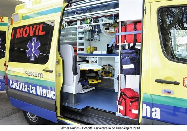 Tres trasladados al hospital tras resultar intoxicados por un incendio en una cabina de pintura en Borox