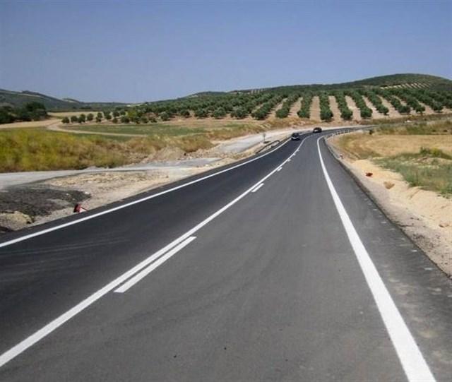 Page anuncia una inversión de 16 millones de euros para la mejora de once carreteras