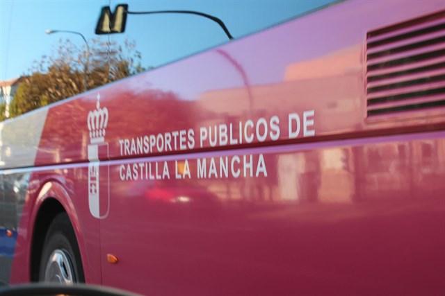 Las personas con discapacidad de la región disfrutarán en 2018 de descuentos del 50% en los viajes en autobús por Castilla-La Mancha