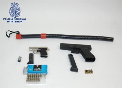 Detenido por amenazar a su expareja con una pistola preparada para munición real