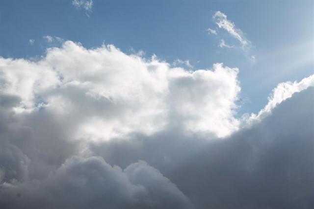 La inestabilidad y el aumento de las temperaturas protagonizan el fin de semana