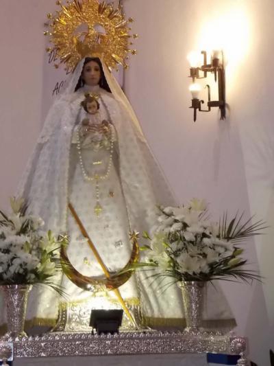Roban las joyas de la virgen en una parroquia de la región