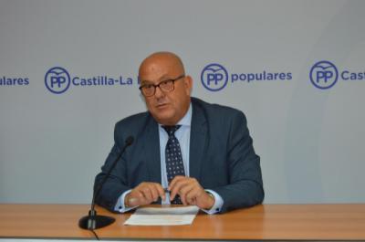 El secretario general del PP de Toledo muestra su apoyo a Santamaría