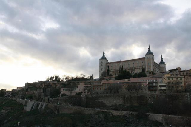 IU CLM pregunta al Gobierno de España sobre el enterramiento de franquistas en el Alcázar de Toledo