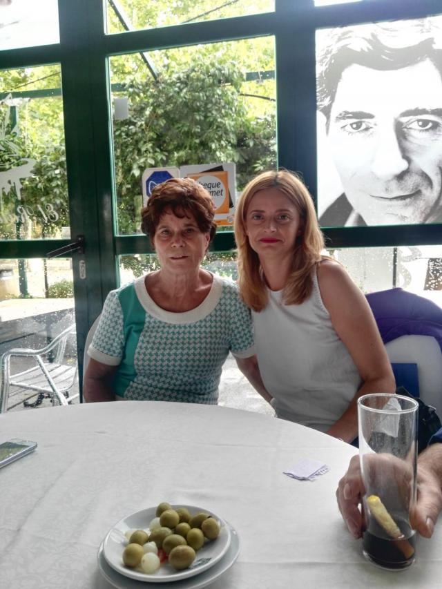 Ana Belén Pintado junto a su madre biológica