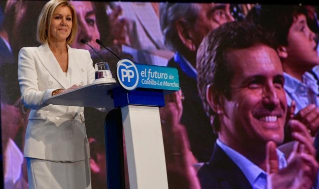 Proponen que Cospedal sea nombrada presidenta de honor del PP en la región