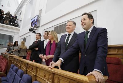 Núñez critica la sanidad y la educación de la región, promete menos impuestos y una Consejería de Deporte