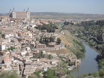 Continúa el misterio en Toledo por los cerditos de barro, los peces y ahora lazos