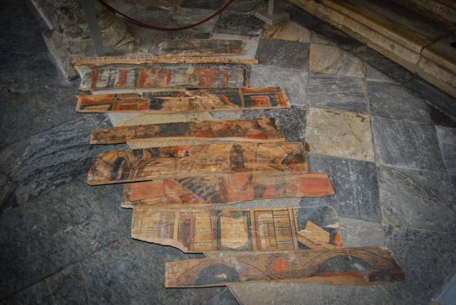 Halladas en Toledo unas tablas policromadas de finales del XV con figuras humanas