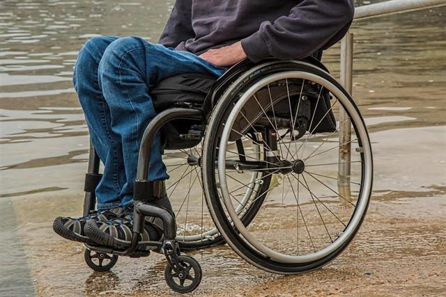 Las CCAA financiarán con hasta 5.000 euros las sillas de ruedas para dependientes