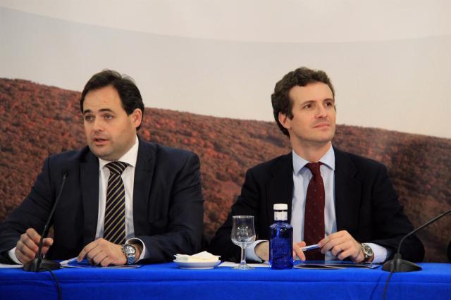 Casado y Núñez no descartan llegar a acuerdos con Vox en la región